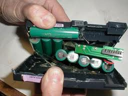 Repair Laptop Battery (Interior)