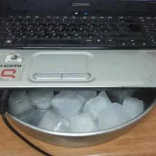 Ice Cooling Laptop Below